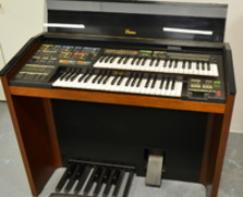 Yamaha MR-700T organ