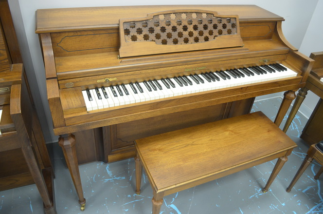 1973 Kohler & Campbell Spinet Piano - Upright - Spinet Pianos