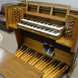 Viscount church organ with 32 note pedals and 2 full manuals - Organ Pianos
