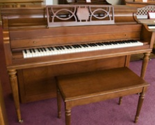 Everett Console Piano