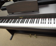 Roland HP137R Digital Keyboard