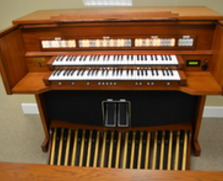 Rodgers 751i digital organ