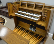 Viscount church organ with 32 note pedals and 2 full manuals
