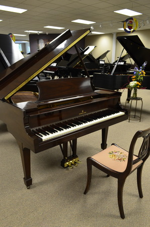 1936 Steinway baby grand & matching chair! - Grand Pianos
