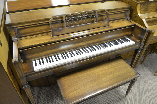 1978 Everett Console Piano - Upright - Console Pianos