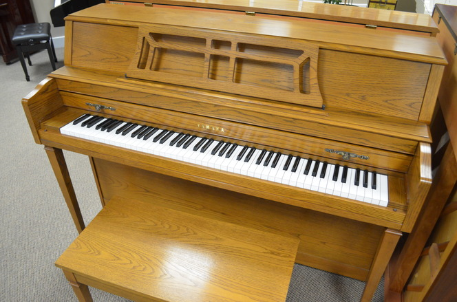 1990 Yamaha M302 Console Piano - Upright - Console Pianos