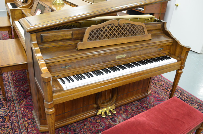 1974 Kimball console piano, pecan - Upright - Console Pianos