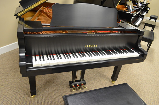 2001 Yamaha C3 grand, SATIN EBONY - Grand Pianos